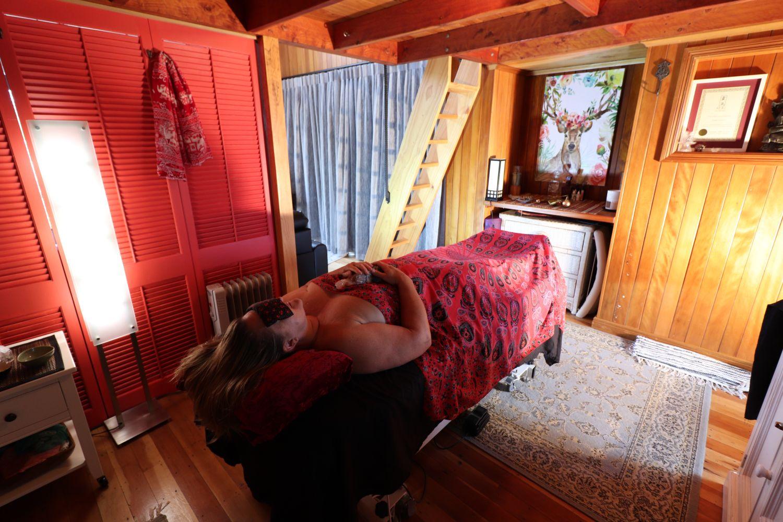 hot-stone-massage-chakras